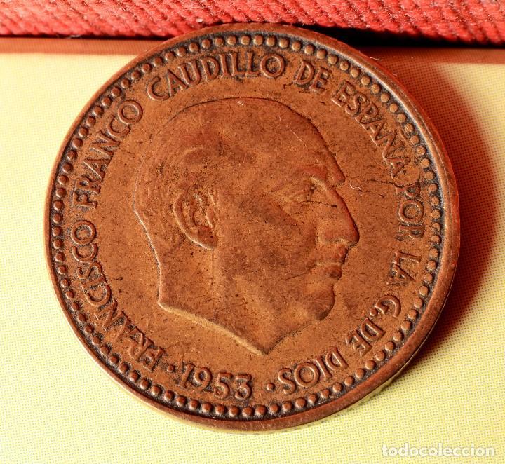 Monedas con errores: PESETA 1953 *63: ERRORES POR LETRAS INCUSAS EN REVERSO, DESCENTRAMIENTO EN ANVERSO, ETC. (REF. 346) - Foto 3 - 92312305