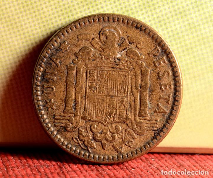 Monedas con errores: UNA PESETA 1963 *65: ERRORES POR LETRAS INCUSAS EN REVERSO Y DESCENTRAMIENTO EN ANVERSO (REF.347) - Foto 2 - 92312595