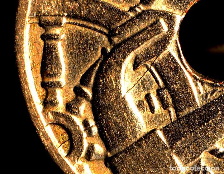 MONEDA DE CINCUENTA CÉNTIMOS 1949 *56: DELICADAS LÍNEAS DE MATERIAL EN EL REVERSO (REF. 382) (Numismática - España Modernas y Contemporáneas - Variedades y Errores)