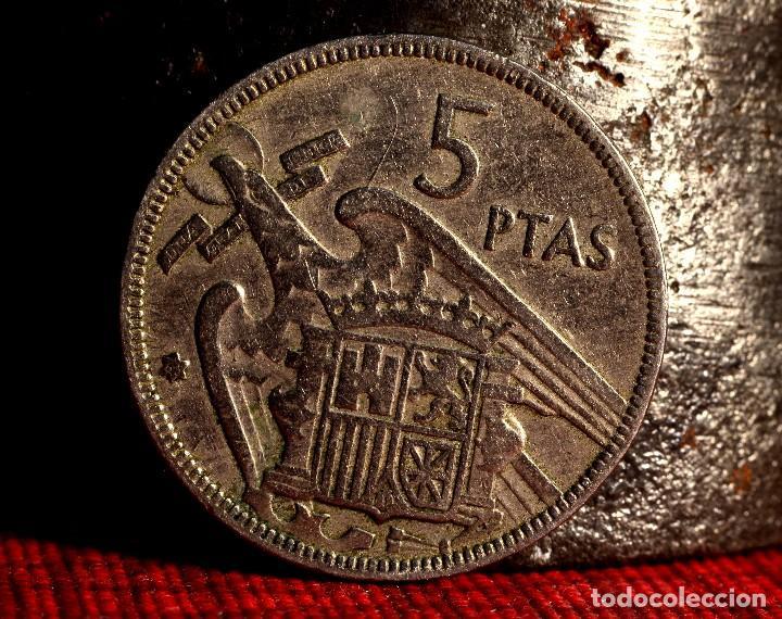 Monedas con errores: CINCO PESETAS 1957 *65: VARIOS ERRORES (REF.387) - Foto 2 - 94449706