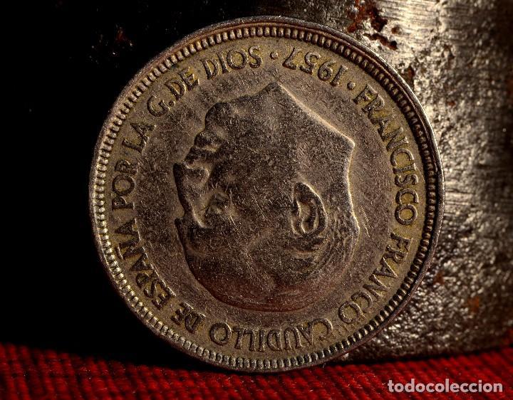 Monedas con errores: CINCO PESETAS 1957 *65: VARIOS ERRORES (REF.387) - Foto 3 - 94449706