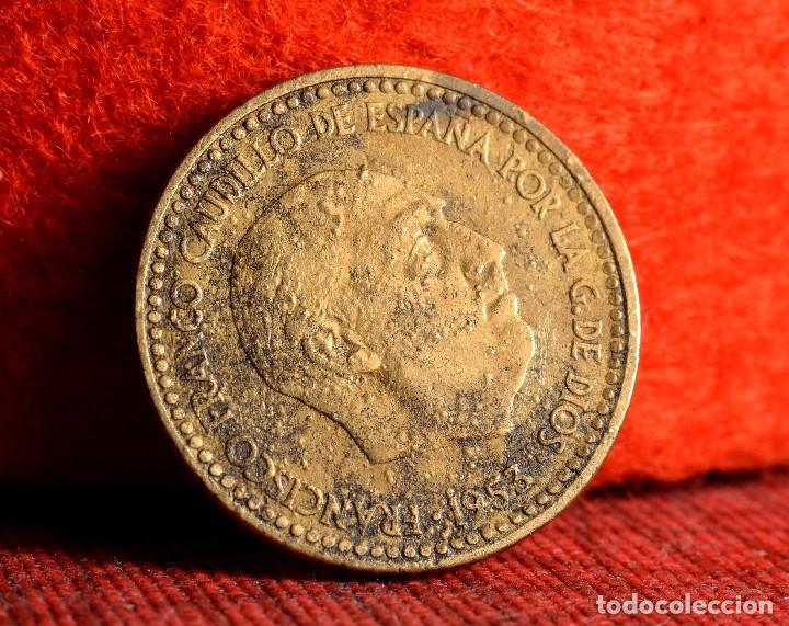 Monedas con errores: UNA PESETA 1953 *62: ERROR POR MUY CONSIDERABLE EFECTO DE GALLEO (REF. 411) - Foto 4 - 96475211