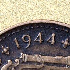 Coins with Errors - CURIOSA MONEDA DE UNA PESETA DE 1944: ERRORES EN GRÁFILA Y EXCESO DE MATERIAL (REF. 427) - 107418271