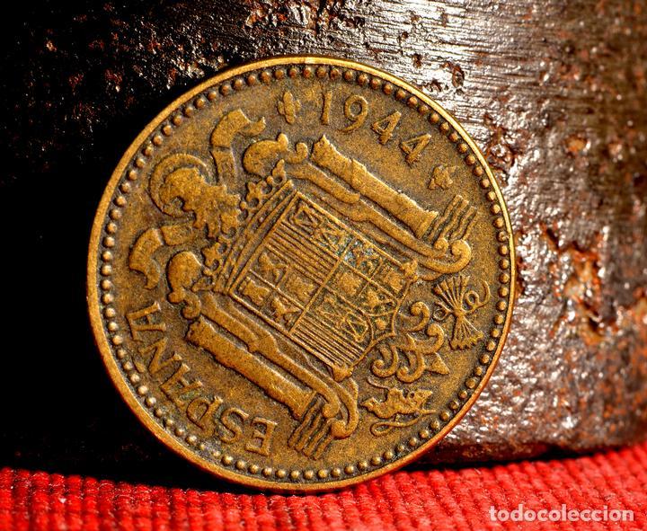 Monedas con errores: CURIOSA REMARCACIÓN DE PESETA DE 1944 EN LOS DÍGITOS 1-9-4-4 - Foto 2 - 107782907