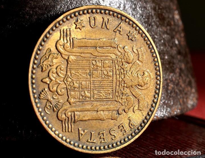 Monedas con errores: NUEVE ERRORES EN UNA PESETA DE 1963 *65 (REF. 476) - Foto 3 - 110077819