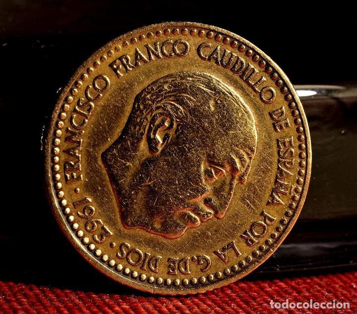 Monedas con errores: UNA PESETA 1963 *65: LETRAS MAYÚSCULAS AL REVÉS EN EL REVERSO Y PROBLEMAS EN EL ANVERSO (REF. 506) - Foto 3 - 111431235