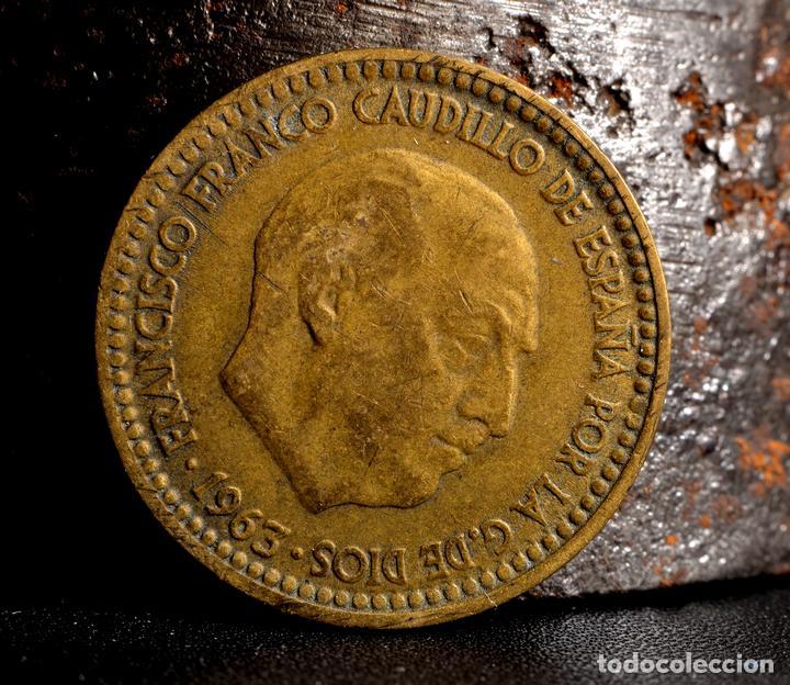 Monedas con errores: ERRORES DIVERSOS EN PESETA 1963 *67 (REF. 520) - Foto 5 - 112037775