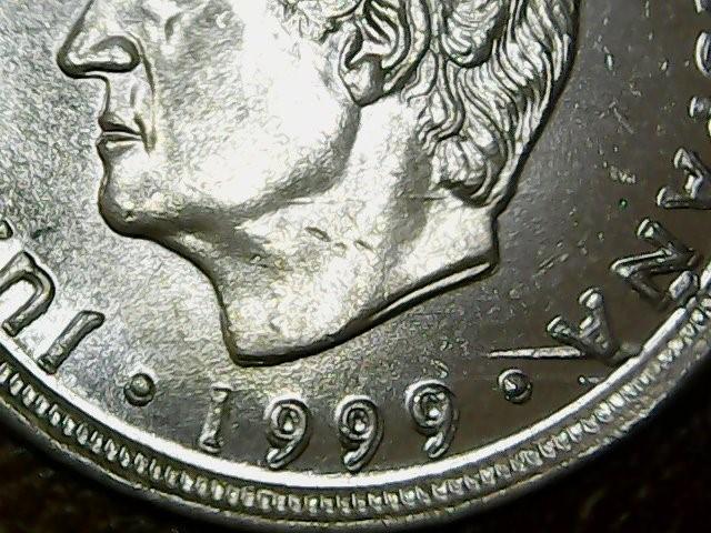 * ERROR * MONEDA 10 P 1999 EXCESO DE METAL (BANDA) EL ESPAÑA SIN CIRCULAR (Numismática - España Modernas y Contemporáneas - Variedades y Errores)