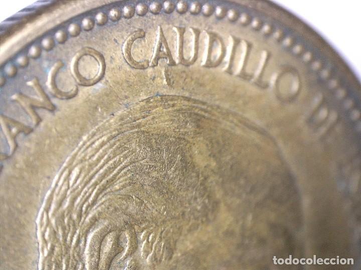 Monedas con errores: BONITA MONEDA DE 2,5 PESETAS 1953*56 FRANCO CON VARIOS ERRORES, METAL, INCUSA, COSPEL...7,10 GRAMOS - Foto 2 - 115165019