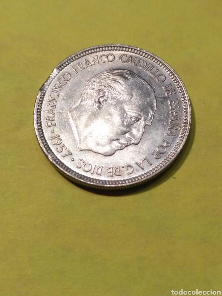 Monedas con errores: Error acuñación , Cinco pesetas 1957*75 MBC - Foto 2 - 186219028