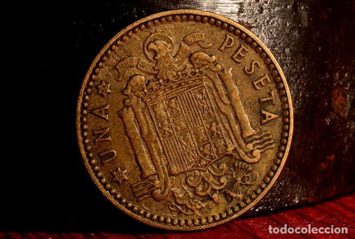 PESETA 1963*65: GRANDES REPINTES EN ANVERSO Y REVERSO (REF. 692) (Numismática - España Modernas y Contemporáneas - Variedades y Errores)