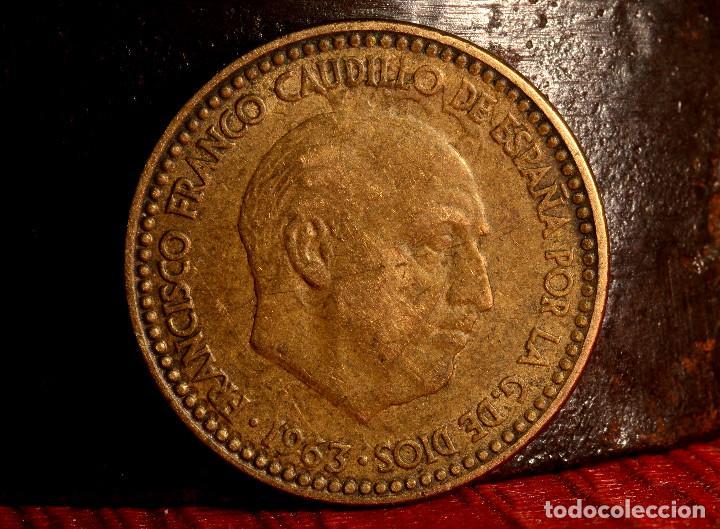 Monedas con errores: PESETA 1963*65: GRANDES REPINTES EN ANVERSO Y REVERSO (REF. 692) - Foto 2 - 186260093