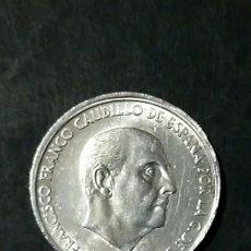 Monedas con errores: MONEDA 50 CENTIMOS 1966 E.68 ERROR DESPLAZADA. Lote 195395746