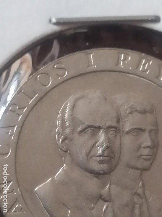 Monedas con errores: 200 PTAS. 1990 EXCESO DE METAL - Foto 3 - 196277795