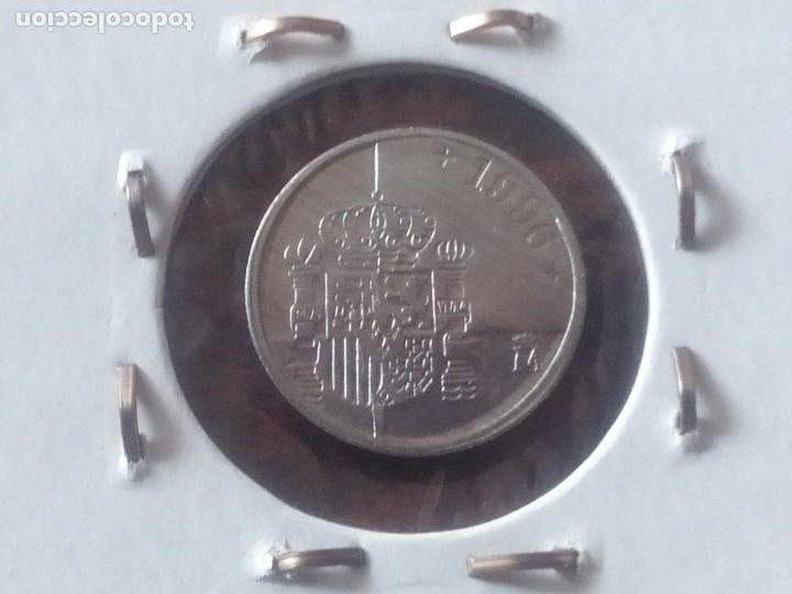 Monedas con errores: PAREJA DE MONEDAS DE 1 PTA. ERROR ACUÑACION - Foto 2 - 196279186
