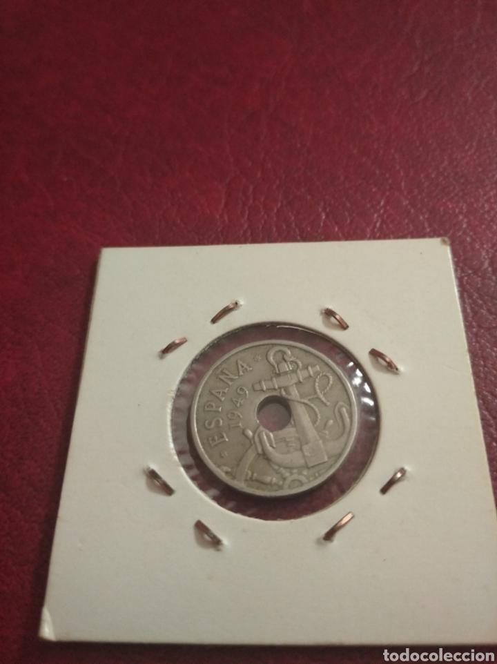 Monedas con errores: 50 centimos ( 2 reales ) ( error flechas hacia abajo ) 1951 - España - Foto 2 - 210205180