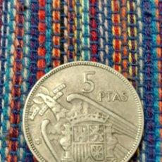 Monedas con errores: E- RARO ERROR 5 PESETAS 1957*65 LETRAS SCO FRANC INCUSAS EN EL REVERSO. Lote 214337815