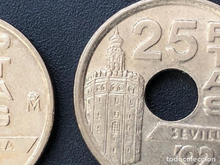 Monedas con errores: 25 pesetas 1992 cuño diferente, listel, exceso metal múltiples errores - Foto 2 - 220187540