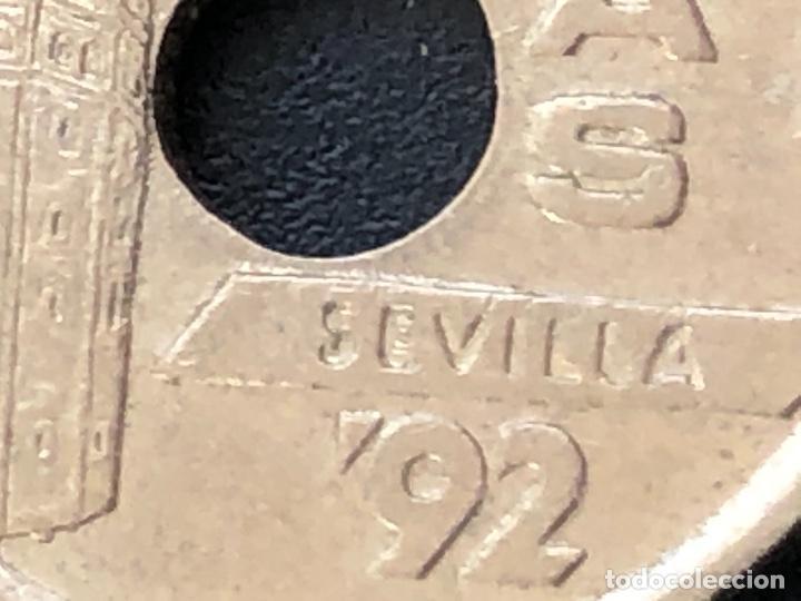 Monedas con errores: 25 pesetas 1992 cuño diferente, listel, exceso metal múltiples errores - Foto 4 - 220187540