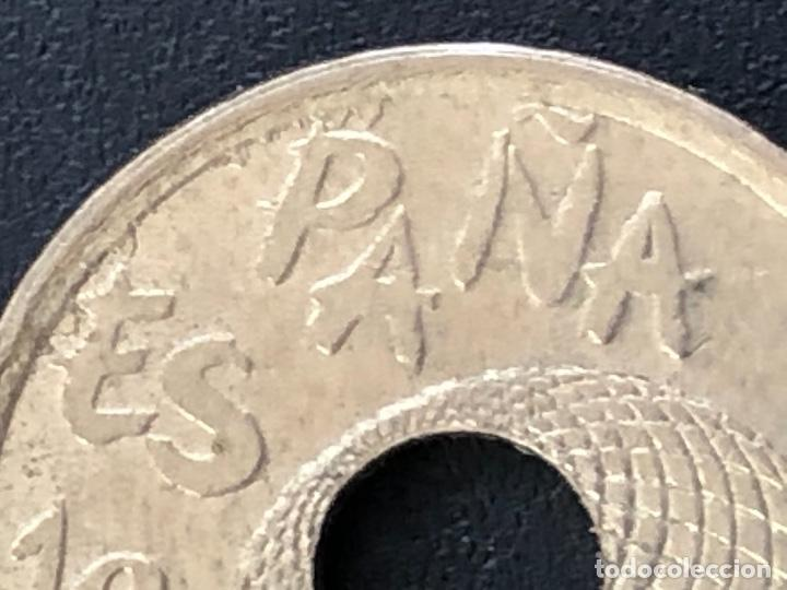 Monedas con errores: 25 pesetas 1992 cuño diferente, listel, exceso metal múltiples errores - Foto 6 - 220187540