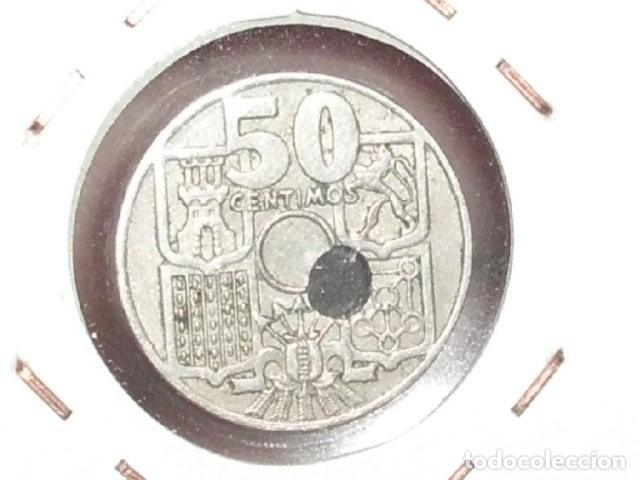 Monedas con errores: ERROR ESPECTACULAR 50 CENTIMOS 1949 - TALADRO MUY DESPLAZADO - Foto 2 - 222321251