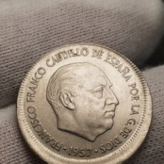 Monnaies avec erreurs: ERROR ACUÑACION DESPLAZADA 5 PESETAS 1957. Lote 238193350