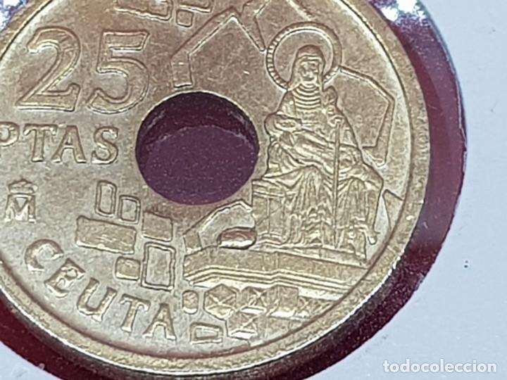Monedas con errores: 25 PESETAS 1998 VARIANTE OFRENDA A LA VIRGEN S/C - Foto 2 - 252909260