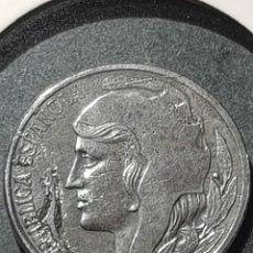 Monedas con errores: 5 CÉNTIMOS 1937 II REPÚBLICA VARIANTE CABEZA PEQUEÑA CUÑO PARTIDO ANVERSO HIERRO SC-. Lote 252981650