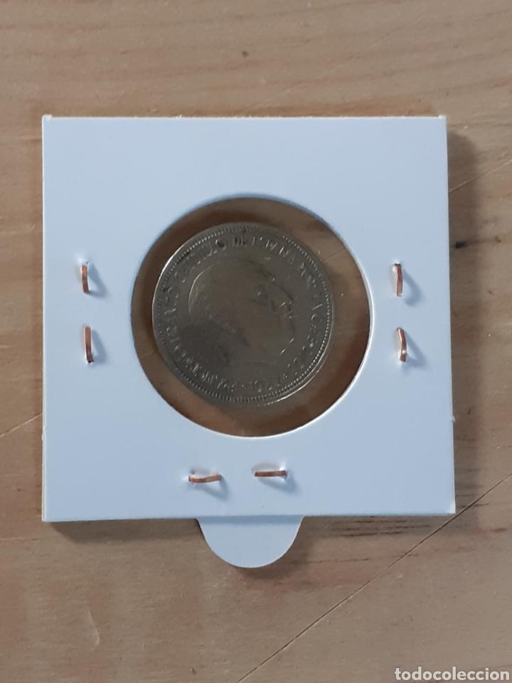 Monedas con errores: Moneda de 5 pesetas año 1957 *73, difícil de encontrar - Foto 2 - 258184970