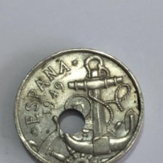Monedas con errores: * ERROR * ESPECTACULAR.TALADRO MUY DESPLAZADO 1949*52. Lote 259867490