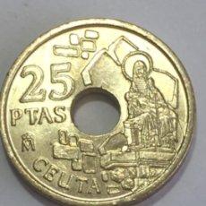 Monedas con errores: * ERROR * 25 PESETAS AÑO 1998. EXCESO DE MATERIAL. OFRENDA DERECHA PEQUEÑA. Lote 262918795
