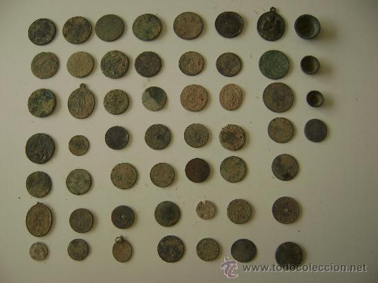LOTE DE CINCUENTA Y TRES MONEDAS,MEDALLAS Y PIEZAS DE PONDERAL (Numismática - España Modernas y Contemporáneas - Colecciones y Lotes de conjunto)