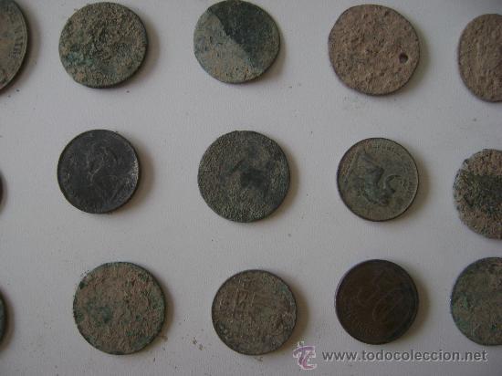 Monedas de España: LOTE DE CINCUENTA Y TRES MONEDAS,MEDALLAS Y PIEZAS DE PONDERAL - Foto 4 - 25871577