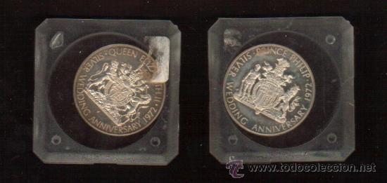 Monedas de España: LAS 2 MEDALLAS CONMEMORATIVAS DEL VENTICINCO ANIVERSARIO DE LA BODA REAL DE LOS REYES DE IGLATERRA - Foto 2 - 27303519