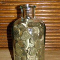 Monedas de España: 2 KILOS DE PESETAS RUBIAS EN BOTELLA-HUCHA. Lote 219917505