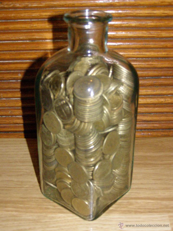 Monedas de España: 2 kilos de pesetas rubias en botella-hucha - Foto 3 - 219917505