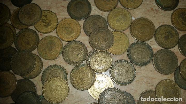 Monedas de España: LOTAZO UNAS 120 MONEDAS DE FRANCO AÑOS COMPRENDIDOS ENTRE 1947 A 1966 - Foto 3 - 86658716