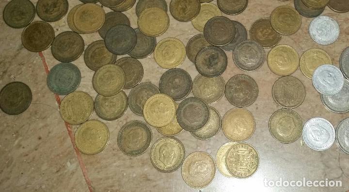 Monedas de España: LOTAZO UNAS 120 MONEDAS DE FRANCO AÑOS COMPRENDIDOS ENTRE 1947 A 1966 - Foto 6 - 86658716