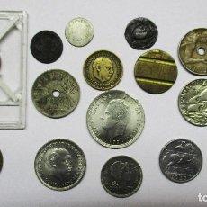 Monedas de España: CONJUNTO MONEDAS ESPAÑOLAS ANTIGUAS, MEDALLAS, FICHA, ETC. ALGUNAS EN PLATA. LOTE 0625. Lote 97682267