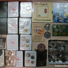 Monedas de España: CAJA CON MONEDAS ESPAÑOLAS Y EXTRANJERAS, MEDALLAS, CARTERAS DE MONEDAS OFICIALES, ETC.. LOTE 0026. Lote 103613607