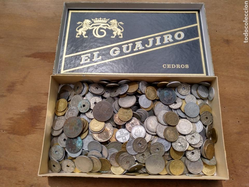 1- CAJA CON MONEDAS. A CLASIFICAR. CASI DOS KILOS. (Numismática - España Modernas y Contemporáneas - Colecciones y Lotes de conjunto)