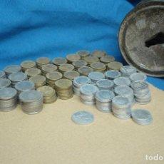 Monedas de España: LOTAZO DE MONEDAS DE LOS 50 A LOS 80 - MÁS DE 300 UNIDADES CON SU HUCHA ARTESANAL. Lote 128382879