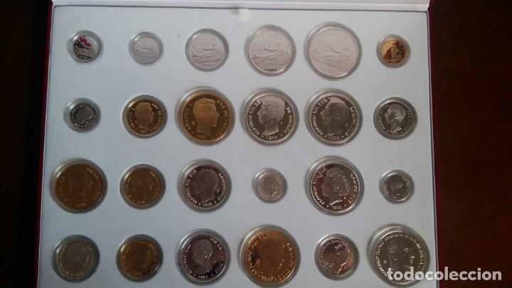 Monedas de España: LOTE DE 24 PIEZAS DE PLATA, 7 RECUBIERTAS CON ORO DE 24 QUILATES, PRESENTADA EN ESTUCHE DE PIEL - Foto 2 - 147376654