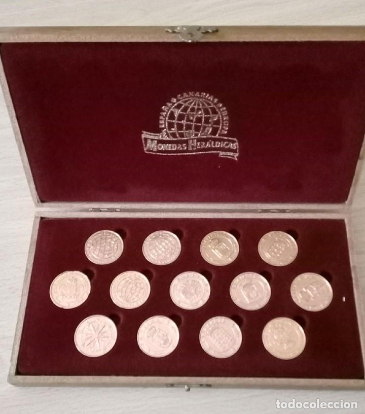 13 MONEDAS HERÁLDICAS BAÑADAS EN ORO 24K. ARRAS DE BODA CON ESTUCHE (Numismatik - Moderne und zeitgenössische spanische Münzen - Sammlungen)