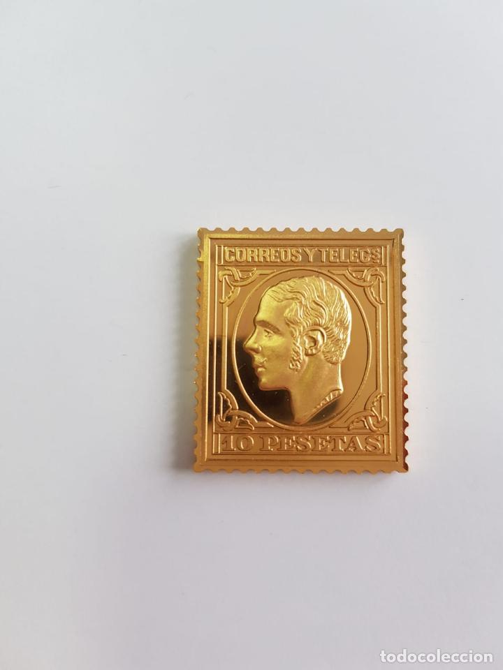 CORREOS , COLECCIÓN LA CASA DE BORBÓN , SELLO DE PLATA DORADA 925 (Numismática - España Modernas y Contemporáneas - Colecciones y Lotes de conjunto)