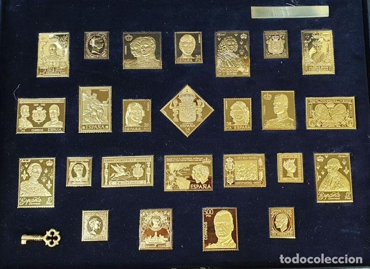 Monedas de España: COLECCIÓN DE SELLOS LA CASA DE BORBÓN. PLATA 925 CHAPADA EN ORO. SIGLO XX. - Foto 3 - 171657367