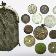 Monedas de España: ANTIGUO MONEDERO DE MALLA DE PLATA CON MONEDAS ESPAÑOLAS Y EXTRANJERAS. MEDALLAS, ETC. LOTE 1723. Lote 171878359
