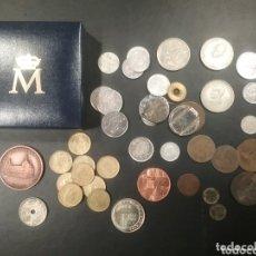 Monedas de España: CAJITA CON MONEDAS VARIADAS Y ALGUNA MEDALLA. Lote 173811640