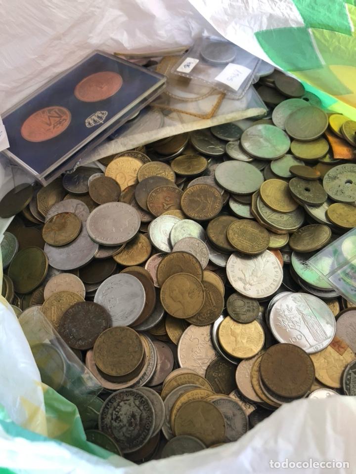 Monedas de España: Lote de algo más de tres kilos de chatarra por clasificar - Foto 2 - 182585037