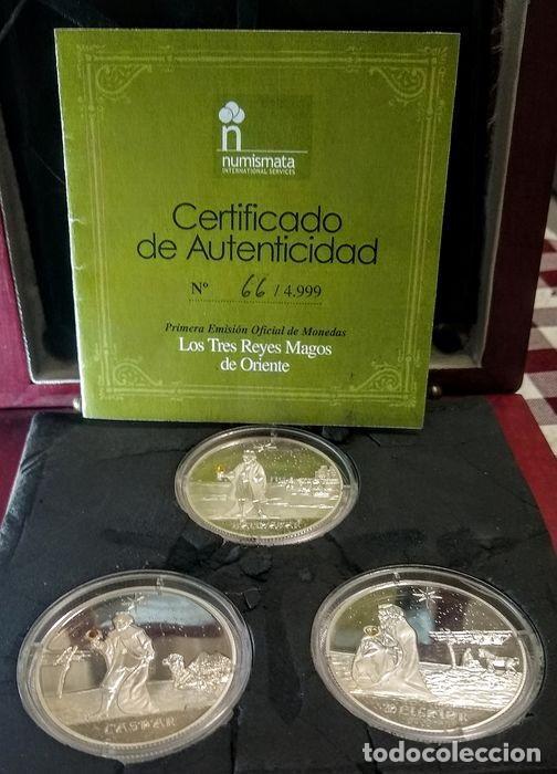 LINGOTES MONEDAS PLATA ESTUCHE DE MADERA - SET 3 MONEDAS REYES MAGOS - ORDEN DE MALTA - 81 GRAMOS (Numismática - España Modernas y Contemporáneas - Colecciones y Lotes de conjunto)